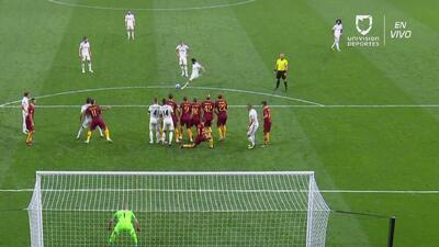 Ante el Real Madrid, Alessandro Florenzi quiso defender a lo 'Chucky' Lozano