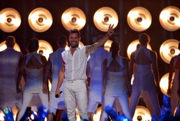 Ricky Martin llegó con todo a Premios Juventud y su actuación fue una de...