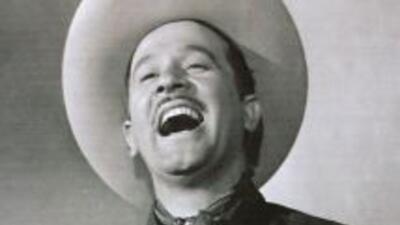 El cantante y actor mexicano realizó infinidad de películas y dio vida a...