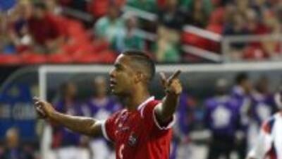 Gabriel Torres hizo los dos primeros goles de Panamá ante Cuba.