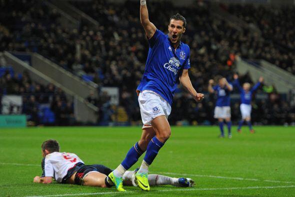 Everton superó por 2 a 0 al Bolton.