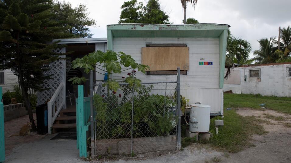 Esta es la casa tráiler donde viven José López, Jorge Goff, Salvador Lóp...