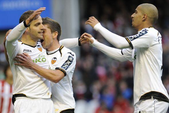 El atacante español abría el marcador en favor de los 'Naranjeros'.