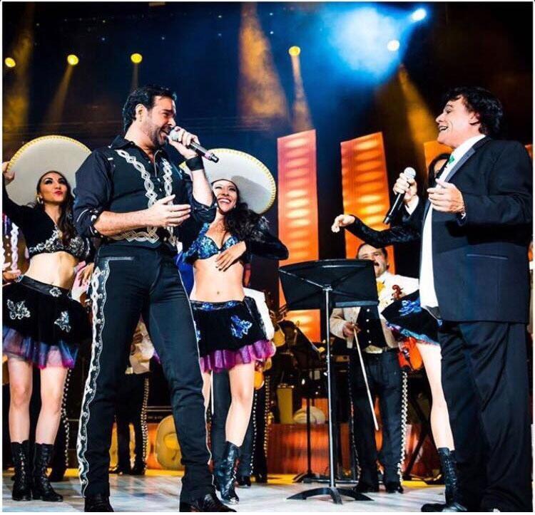 Juan Gabriel y los famosos