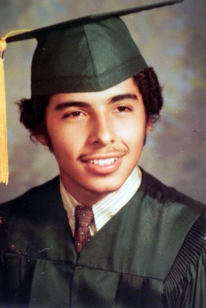 El padre de José Don Salvador Hernández, sólo llego a tercer grado de pr...