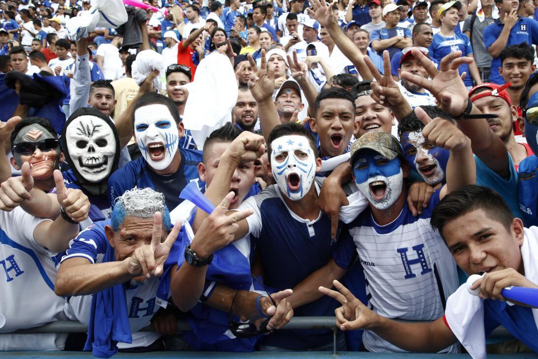 Panamá venció a Honduras en el duelo de técnicos colombianos AP_95852071...