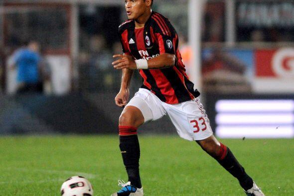 El central de los 'rossoneri' es uno de los jugadores más cotizados en l...