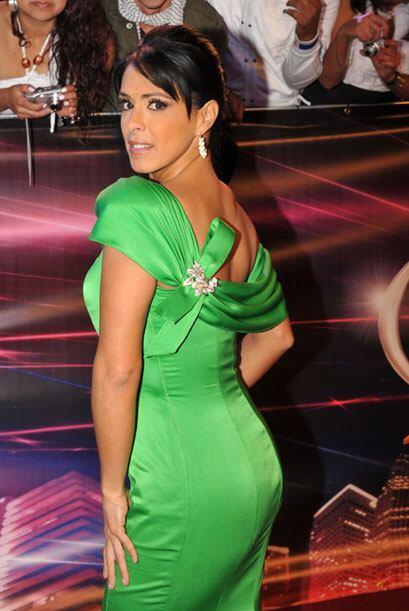 Además de lucir muy elegante, la presentadora mexicana se vio sexy.