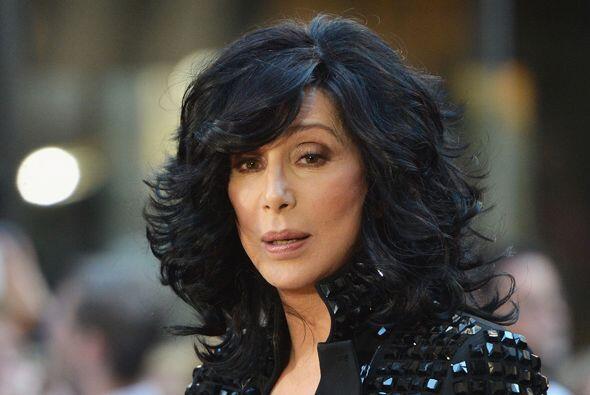 """La cantante estadounidense Cher escribió en Twitter: """"Créanme, no vivo b..."""