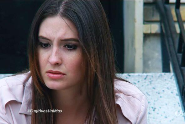 Esperanza creía que Julián regresaría al lado de Mariana y Samuel y deci...