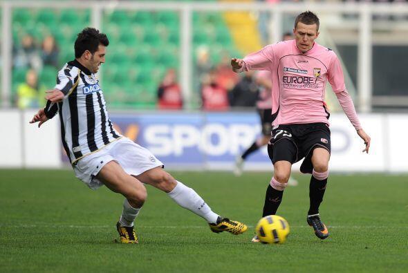 Pero si un duelo terminó acaparando las miradas en el 'Calcio' fue la vi...