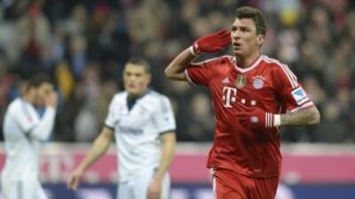 Mario Mandzukic celebra ante el Bayern.