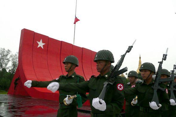 Burma. La junta militar que controla el poder en este pequeño país de ca...