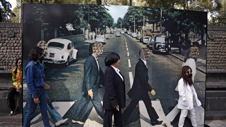 Ciudad de México logra Guinness de personas caracterizadas como The Beat...