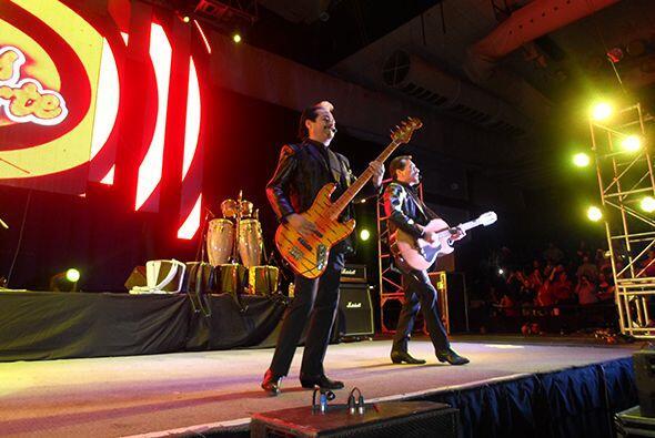 Los Tigres del Norte 'rugieron' en El Paso con su música y Banda...