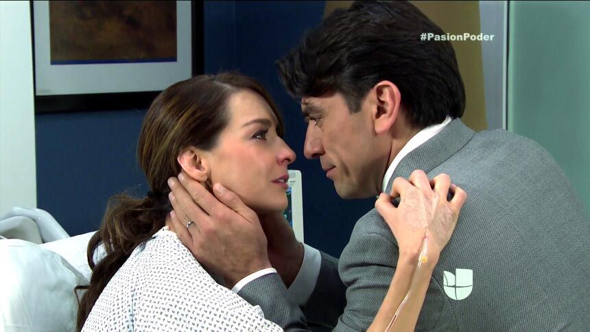 ¡Julia y Arturo se pusieron muy románticos! 2E4AD0EE1FA34F30BADD00351189...