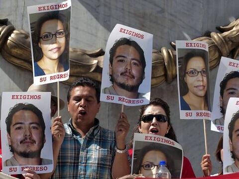 En México más de 30 periodistas han sido asesinados o desa...