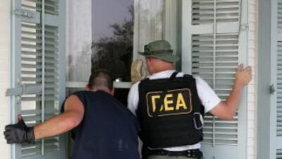 La DEA desea saber cómo fue que se contrató a los artistas, cuánto se le...