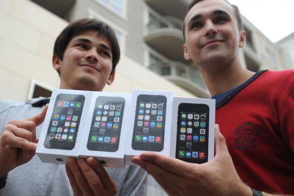 1. iPhone 5 y 5S. El medio recuerda que éste fue el primer teléfono que...
