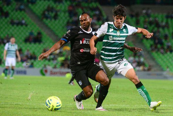 En la Jornada 4 se enfrentaron Querétaro y Santos en el Estadio Corregid...