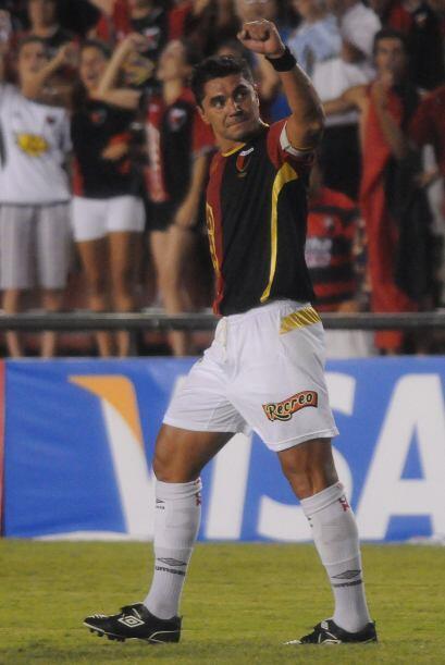 Esteban 'bichi' Fuertes sigue marcando goles a sus 38 años. En Argentina...