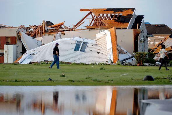 El tornado que azotó la parte centro-norte de Illinois el lunes pasado d...