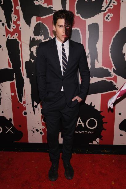 El actor Nolan Gerard Funk lo vimos como dos caras.