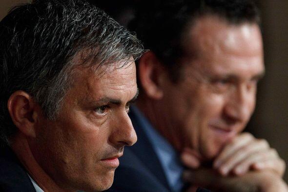 El propio Valdano reía de muchas de las respuestas que daba Mourinho.