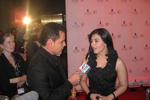 Aureliano Salgado, reportero de entretenimiento de Univision Chicago, tu...