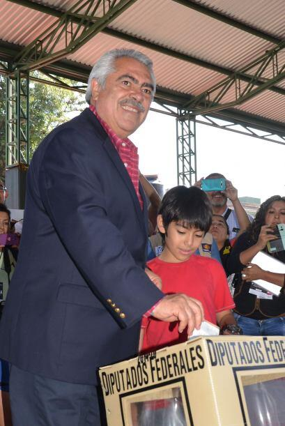 José Ascensión Chon Orihuela, candidato a la coalición PRI-PVEM a la gub...