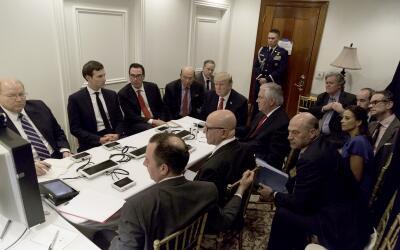 Foto editada digitalmente ofrecida por la Casa Blanca en la que se ve a...