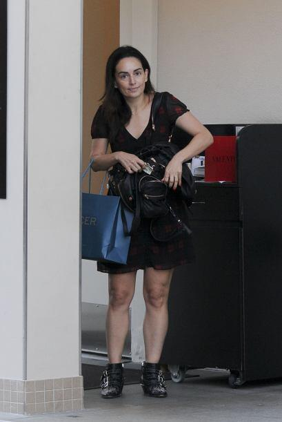 Ana estaba saliendo de una clínica dermatológica.