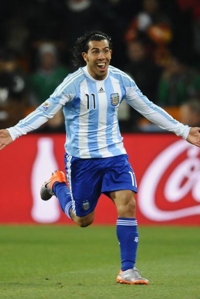Carlos Tevez, explosivo delantero de la selección argentina, nacido hace...