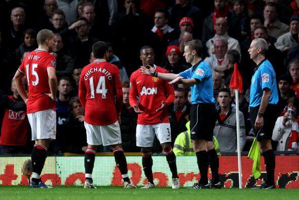 Cuando mejor jugaba el Manchester United llegó una jugada polémica que t...