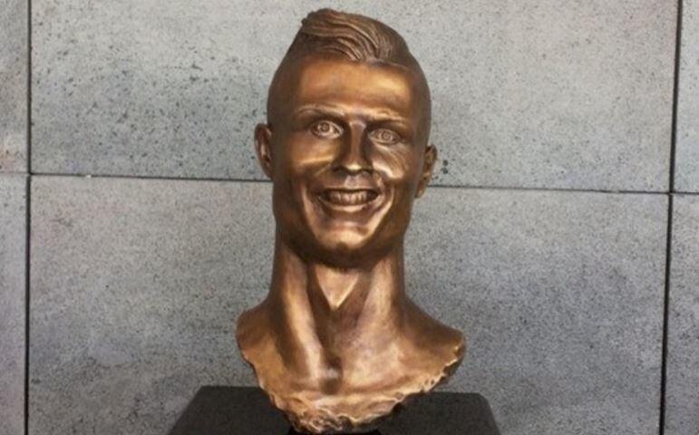 Los memes se burlan de Cristiano Ronaldo y su deforme escultura 53451_pr...