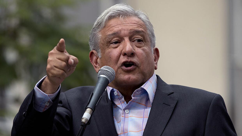 El candidato presidencial mexicano Andrés Manuel López Obrador, líder de...