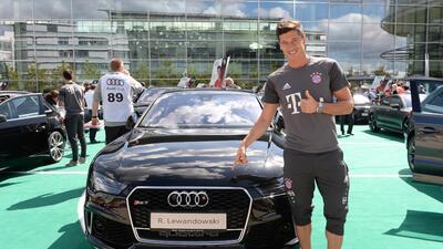 Los jugadores del Bayern Múnich iniciaron la temporada en cuatro ruedas