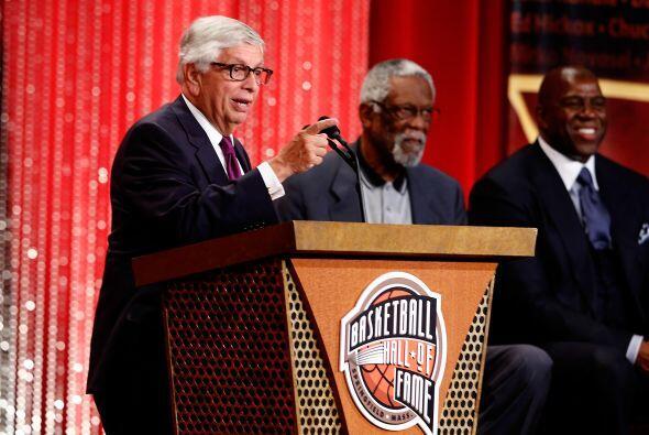 Enero 31 - David Stern se despide de la NBA. Treinta años después, David...