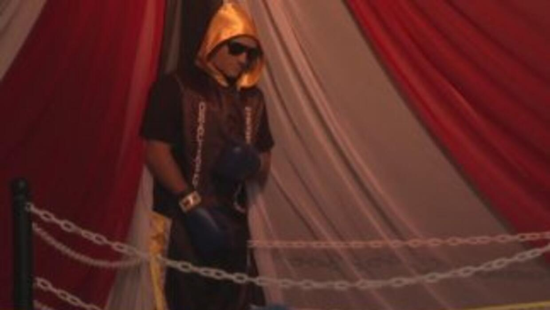 Peculiar velatorio de joven boxeador dentro de un ring