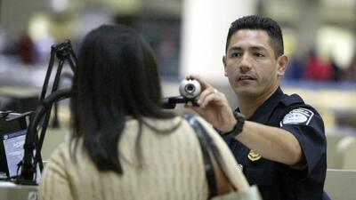 El programa permite a ciudadanos de 38 países entrar sin visa a Estados...