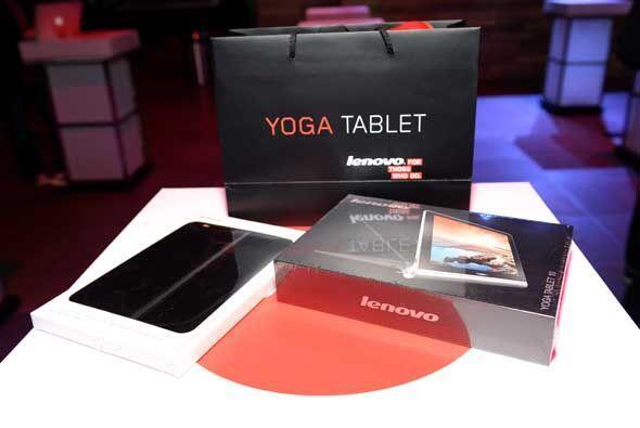 Presentada al público por Ashton Kutcher, la Lenovo Yoga cuenta con una...