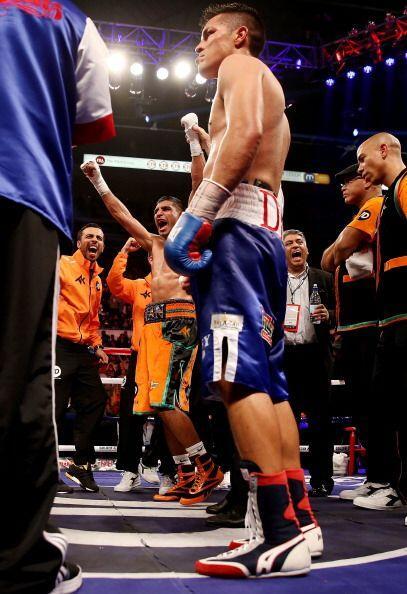 La pelea llegó a los 12 rounds y los jueces le dieron el triunfo por dec...