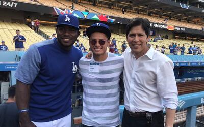 El delantero mexicano comenzó sus vacaciones en Los Ángele...