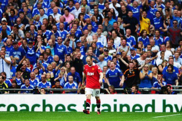 La afición de los 'Blues' se metía con Wayne Rooney, que sigue sin recup...