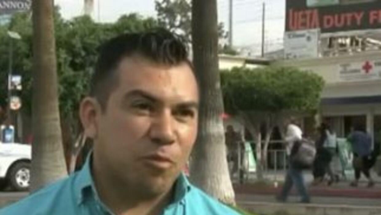 El inmigrante mexicano Aroon Domínguez al momento de ingresar a Estados...