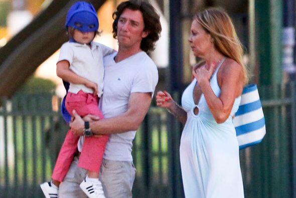 Una tarde en el parque pasaron Colate y su hijo Andrea, con la actriz An...