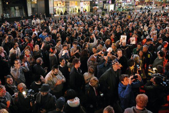 La concentración en Nueva York se hizo más multitudinaria después de que...