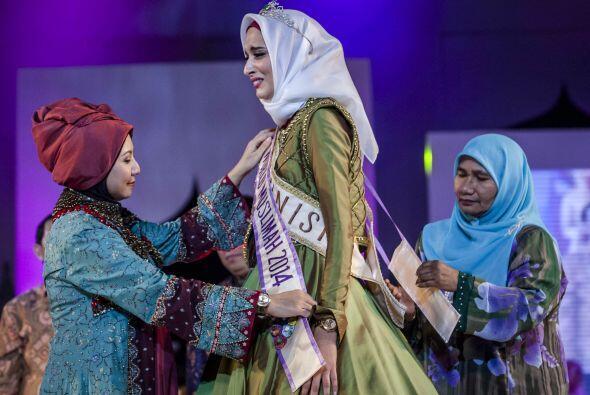 El mundo árabe coronó a la bella Ben Guefrache Fatma de Túnez como Miss...