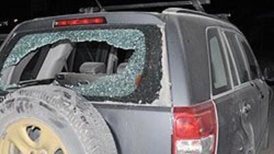 Informe sobre los que tiran piedras a los autos en las autopistas 7cdb54...