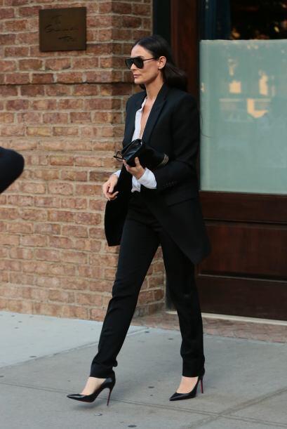 Por su parte, Demi, lució así al salir de su edificio en Manhattan.